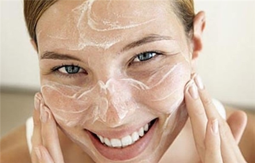 Hướng dẫn rửa mặt đúng cách với 7 bước giúp da mịn màng ngừa mụn